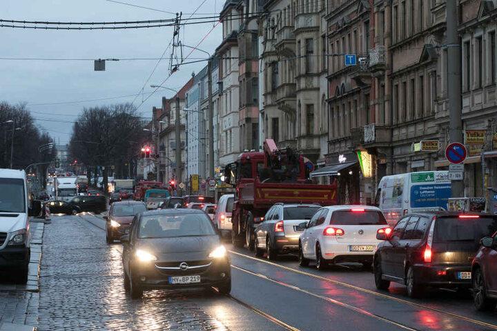 Belastend für Anwohner: Die Königsbrücker Straße in der Neustadt ist eine der lautesten Straßen Dresdens.