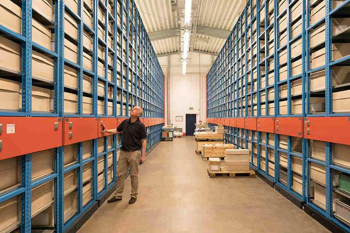 21 Millionen Fundstücke! Sachsens archäologischer Schatz lagert gut sortiert in 60000 Kisten in einem riesigen Depot in Klotzsche.