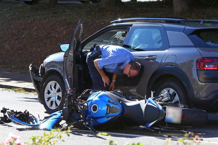Die Polizei hat die Ermittlungen zum Unfallhergang aufgenommen.