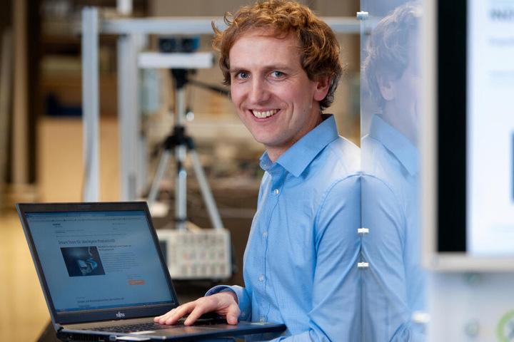 Vom Jugendforscher zum Roboter-Experten bei Siemens: Sven Tauchmann (35).