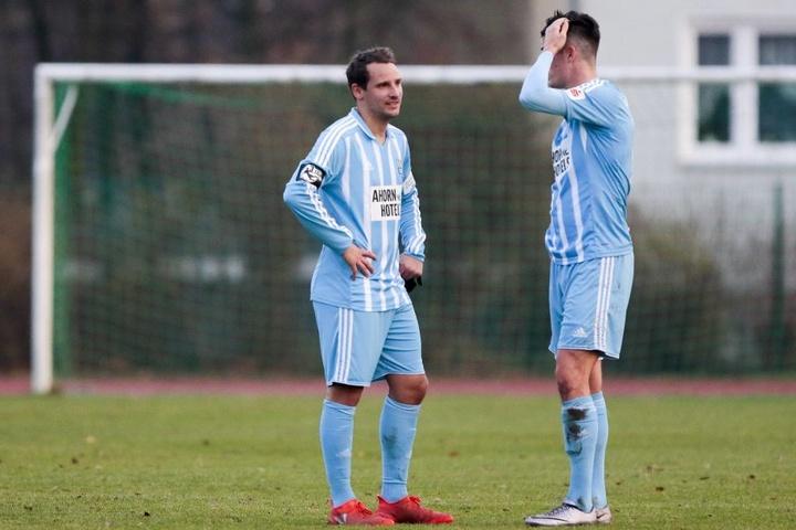 Anton Fink (li.) mit Dennis Mast, derzeit klagt der Stürmer über Knieschmerzen.