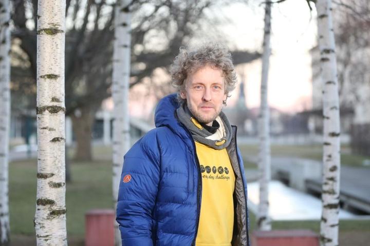 Grünen-Stadtrat Torsten Schulze (47) kämpft gegen das Müllproblem im  Szeneviertel.