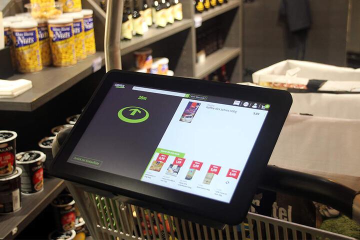 Das Display navigiert Euch durch den Markt, um Euch zum nächsten Produkt zu führen.