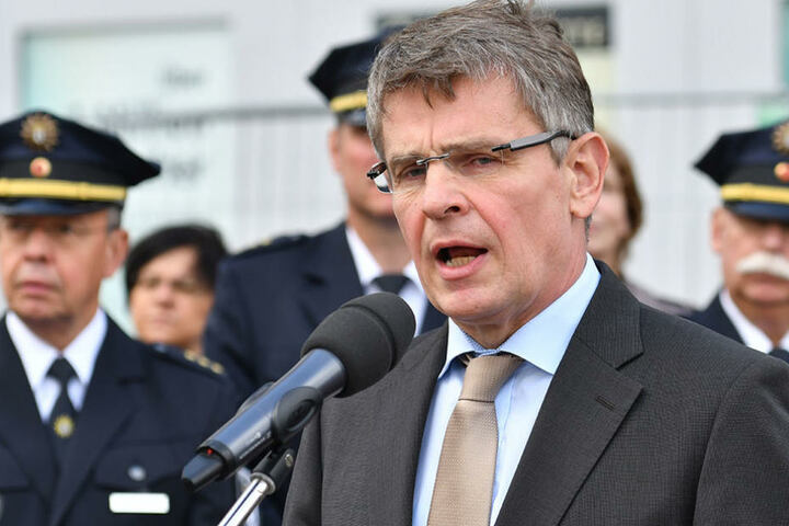 Polizeipräsident Klaus Kandt gestand am Montag die Fehler der Polizei an dem Abend des Anschlags.