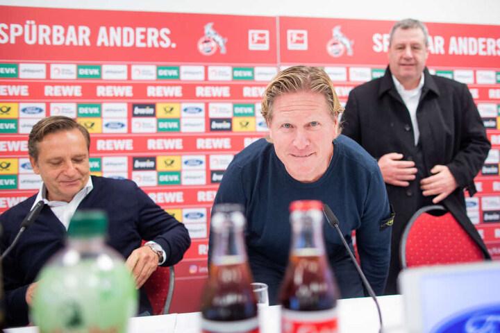 Bei der Vorstellung von Horst Heldt (l) und Markus Gisdol (m) sprach auch FC-Präsident Werner Wolf.