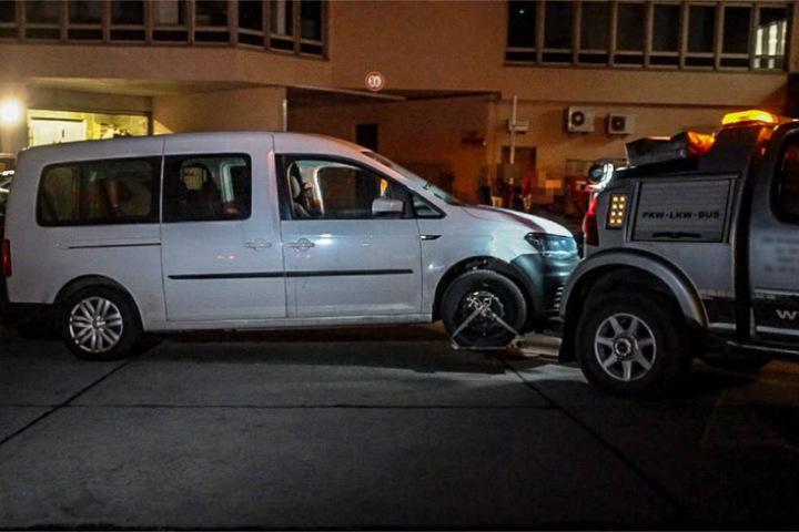 Dieses Fahrzeug ließ die Polizei abschleppen.