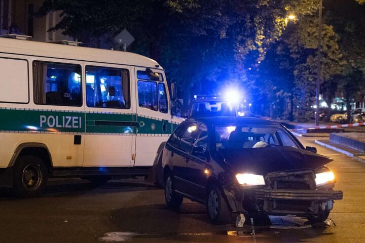 Der 27-Jährige, der in diesem Auto durch Berlin-Charlottenburg raste, steht nun vor Gericht.