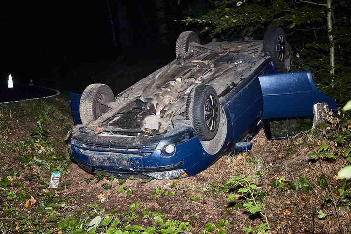Wie durch ein Wunder zogen sich Vater und Kind bei dem Unfall keine schweren Verletzungen zu.