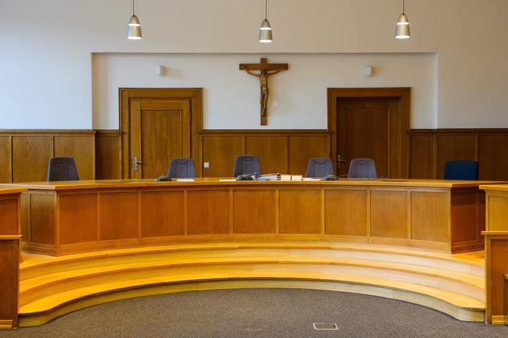 Der Prozess findet vor dem Landgericht in Saarbrücken statt (Symbolbild).
