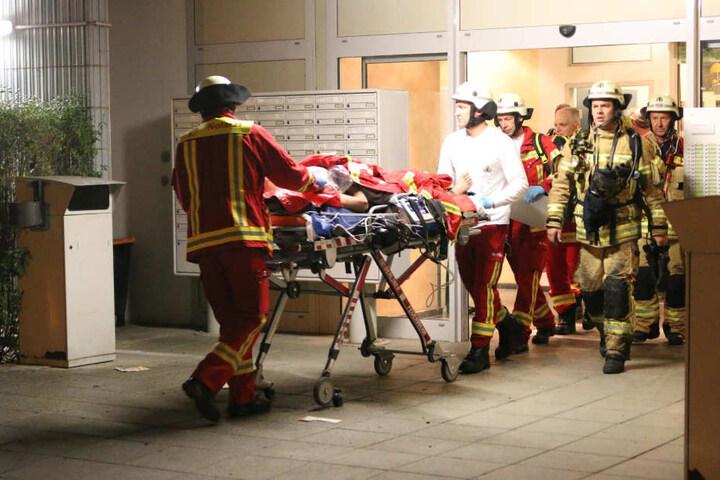 Ein Mann kam ins Krankenhaus.