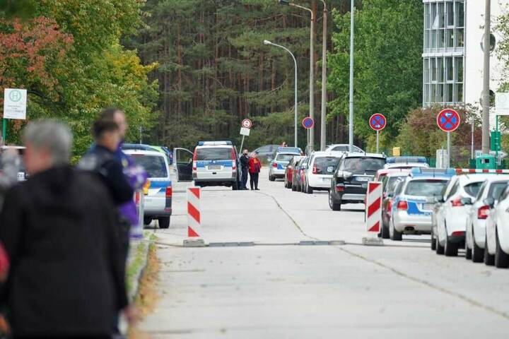Die Käthe-Kollwitz-Straße ist derzeit voll gesperrt.