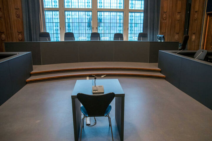Noch ist der Saal im Landgericht Schwerin leer, doch am Dienstagvormittag gibt es hier einen Prozess.