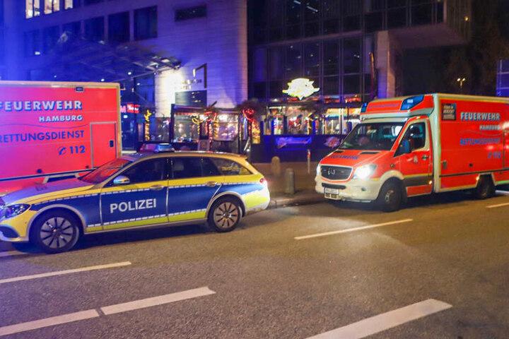 Polizei und Rettungsdienst rückten für den Einsatz aus.