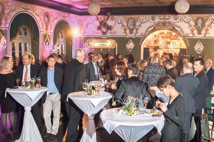 Über 15 Gastronomen und Winzer versorgten die Gäste mit leckeren Häppchen.
