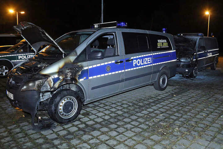 Die Polizei schließt einen Zusammenhang mit den Feierlichkeiten zum Tag der deutschen Einheit nicht aus.