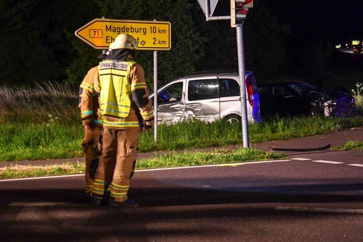 Die Unfallstelle war über mehrere Stunden vollständig gesperrt.