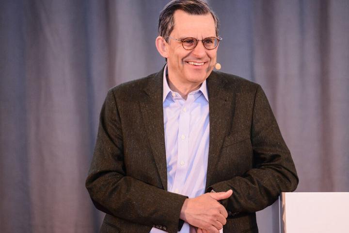 Dr. Stefan Schmittmann, Aufsichtsratsvorsitzender der Commerzbank AG, begrüßte persönlich die zehn Finalisten des HSG Alumni Gründerpitch 2019.