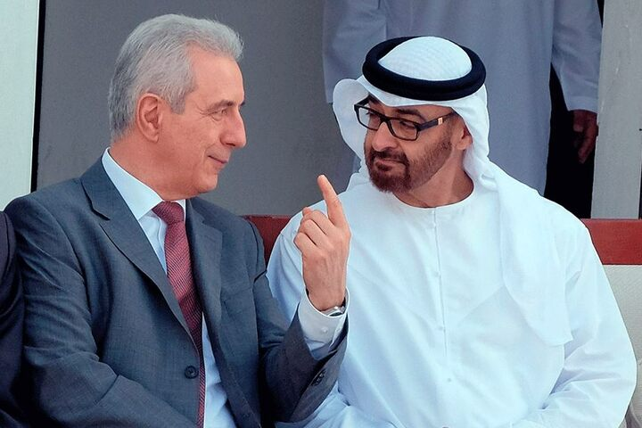 Eine seiner liebsten Rollen: als Botschafter für Sachsen im Ausland - hier 2015 in Abu Dhabi mit dem Kronprinzen, Scheich Muhammad bin Zayid Al Nahyan.