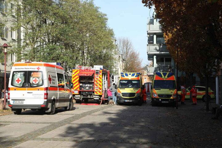 Notärzte, Feuerwehr und Polizei wurden alarmiert.