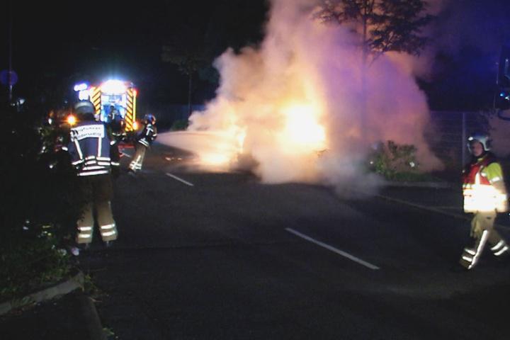 Eine Person wurde von dem Feuer schwerst verletzt.