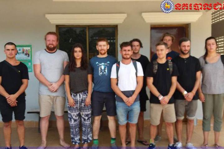 Die zehn Festgenommen sollen die Organisatoren der Party sein.