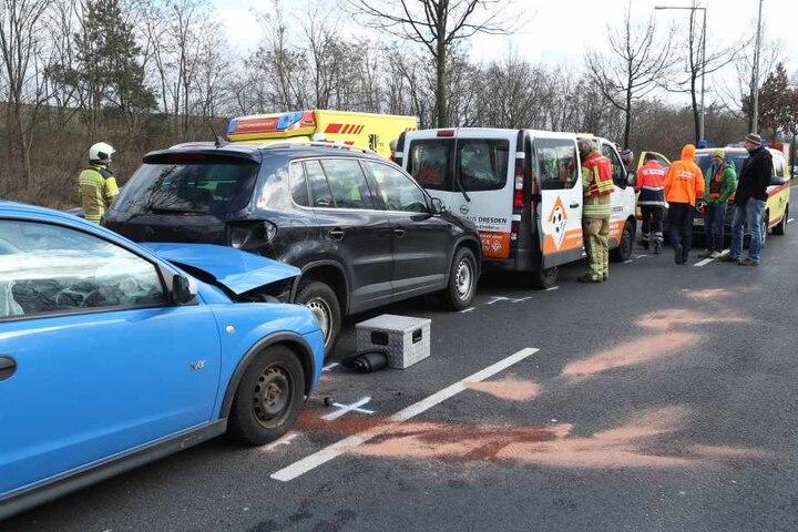 Insgesamt wurden bei dem Crash sieben Menschen verletzt.