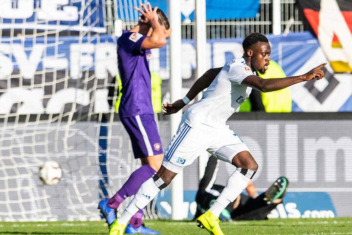 Brachte den HSV auf die Siegerstraße: Khaled Narey (r.) traf zum 2:1 für die Rothosen.
