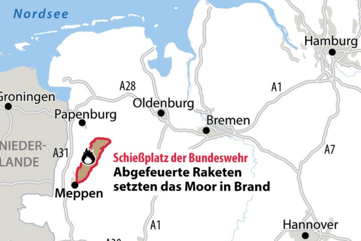 Auf dem markierten Gelände bei Meppen brennt das Moor.