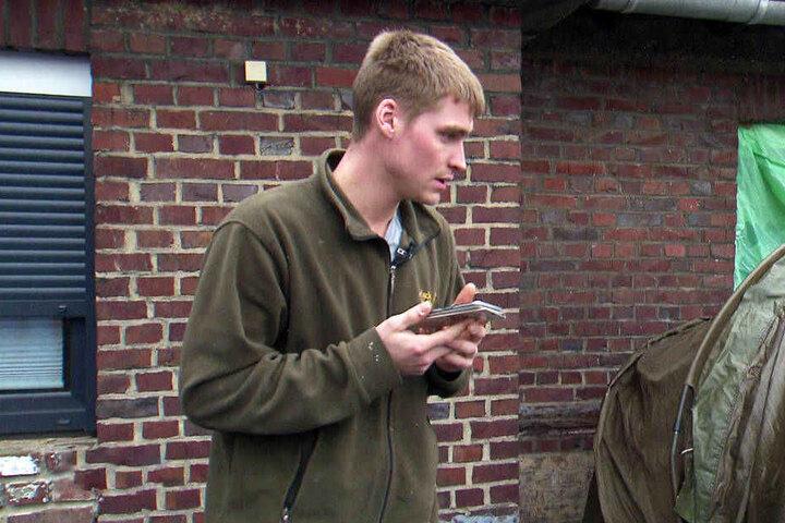Gleichzeitig plant Peter eine Überraschung für seine Sarafina.