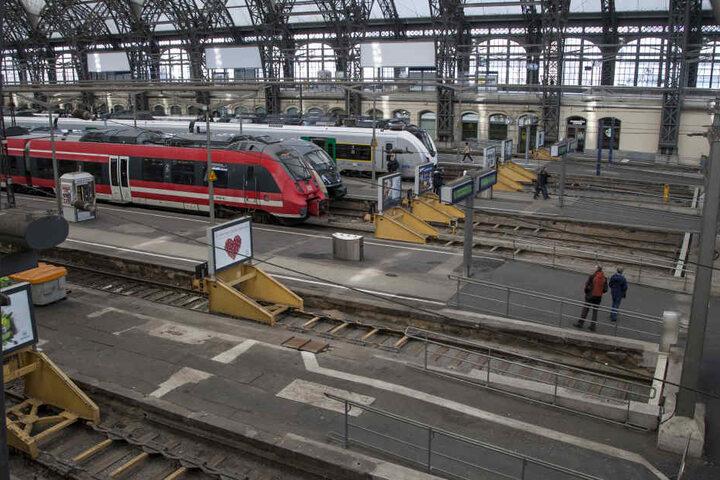 Im Dresdner Hauptbahnhof will die Bahn die Bahnsteige zwischen den Gleisen 9 und 14 erneuern.