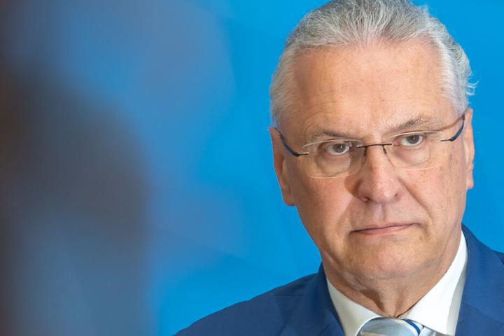 Laut Joachim Herrmann sollten Abschiebungen nach Syrien nicht mehr grundsätzlich tabu sein.