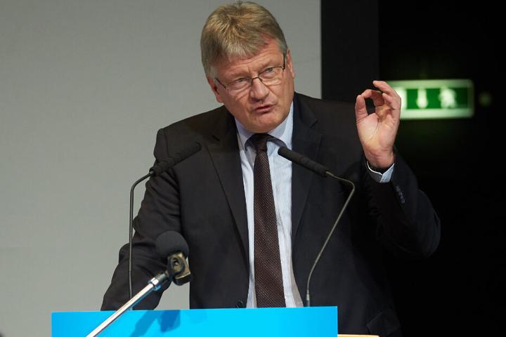Volles Programm für AfD-Parteichef Meuthen (58). Hier spricht er auf dem Parteitag in Rheinland-Pfalz.