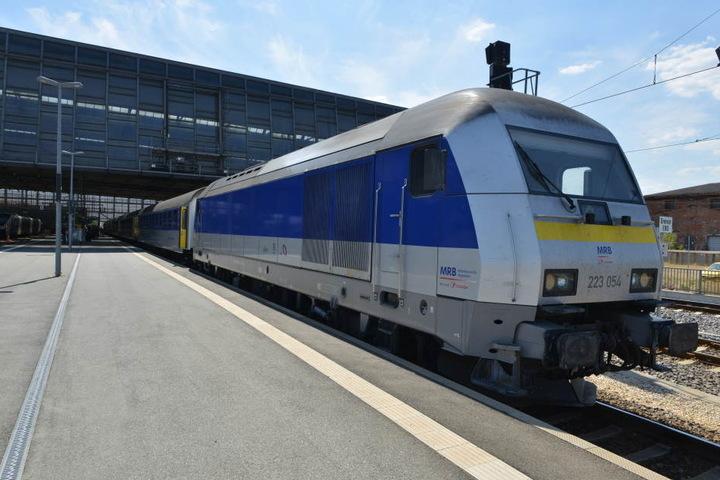Die Mitteldeutschen Regiobahn steht in der Kritik: Der RE 6 auf der Strecke Leipzig-Chemnitz fahre immer später und immer seltener.