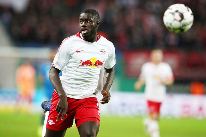 RB Leipzigs Innenverteidiger Dayot Upamecano (20) soll auf der Wunschliste stehen, ebenso wie...