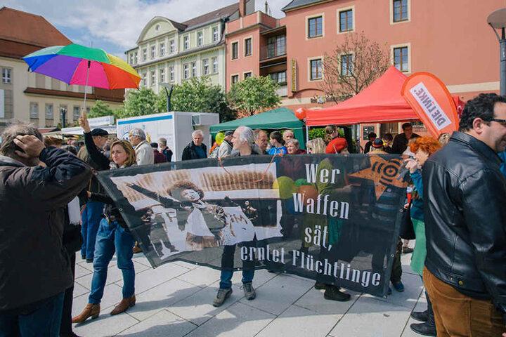 In Bautzen demonstrierte die NPD - doch 600 Menschen stellten sich den Nazis auf einer Gegendemo in den Weg.