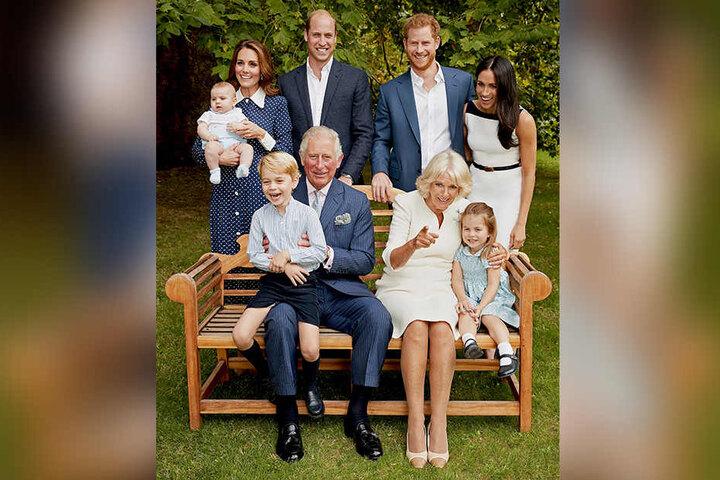 Die Royals der Zukunft: Prinz Charles, umringt von seinen Söhnen und Enkeln.