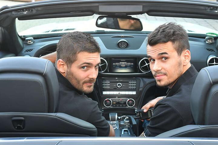 Tim-Philip Jurgeleit und Roman Becvar röhrten in einem Mercedes Cabrio über die Straßen.
