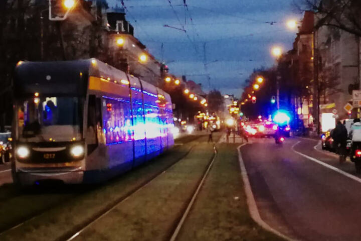 Vor der Unfallstelle stauten sich die Straßenbahnen der Linien 10 und 11.
