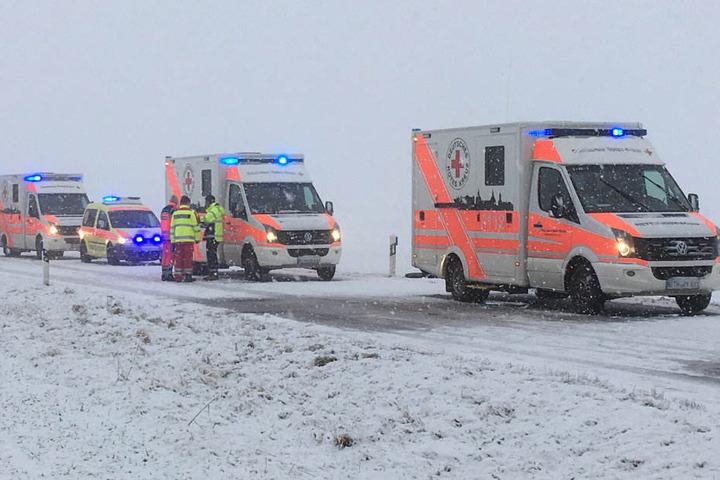 Mit einem Großaufgebot waren die Rettungskräfte vor Ort.