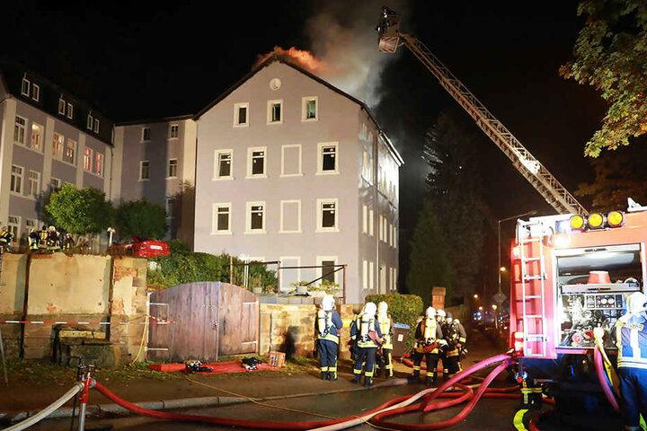 Bewohner aus den Nachbarhäusern mussten evakuiert werden.