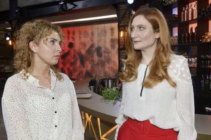 Kerstin warnt Nina vor ihrem Ex.