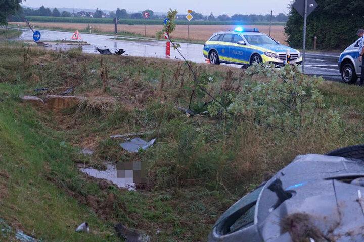 Die Polizei am Unfallort.