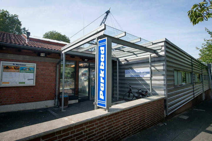 Nach einem Besuch im Parkbad in Velbert hatten die Jugendlichen der 13-Jährigen aufgelauert.