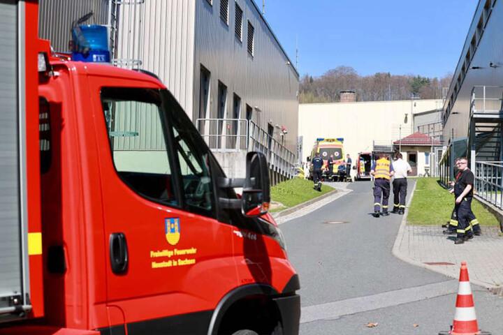 Die Feuerwehren aus Königstein, Pirna und Neustadt rückten zum ABC-Einsatz aus.
