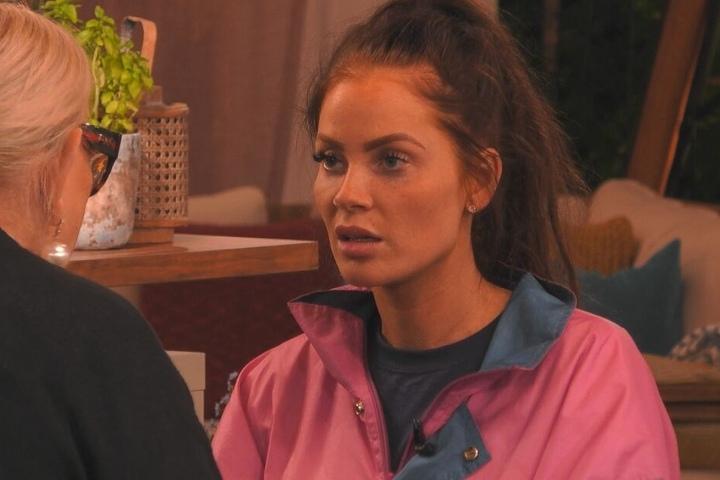 """Janine Pink (32) ist derzeit Teilnehmerin an der siebten """"Promi Big Brother""""-Staffel, weiß noch nichts vom Tod ihres Schauspiel-Kollegen Ingo."""