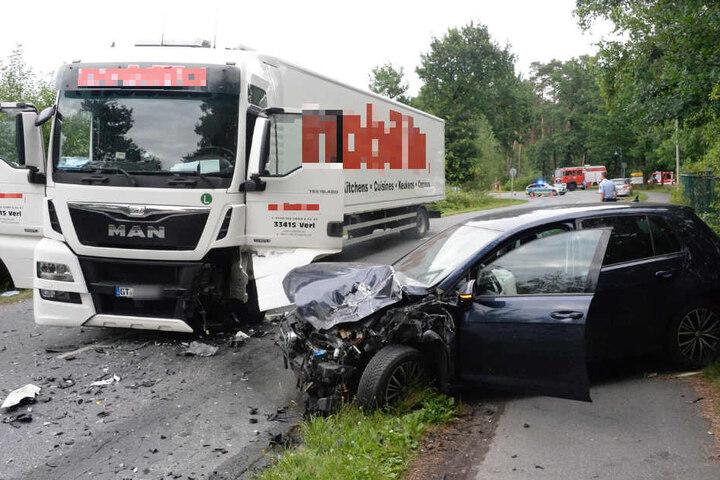 Die Thaddäusstraße musste nach dem Unfall komplett gesperrt werden.