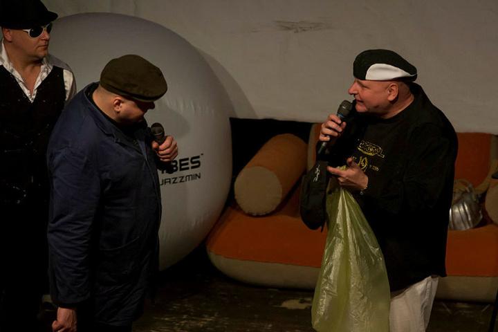 Alle Figuren der Radiosendung (z.B. ABM-Kraft Horst) traten im Megadrome noch einmal auf.