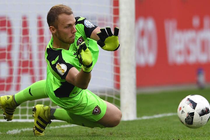 Ganz stark: Mit dem gehaltenen Strafstoß legte Schwäbe den Grundstein für das Weiterkommen seines Vereins im DFB-Pokal.