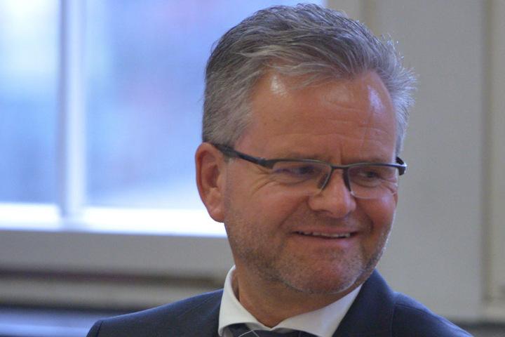 CDU/FDP-Fraktionsvorsitz Tino Fritzsche (56) argumentiert gegen das geplante Tempolimit.