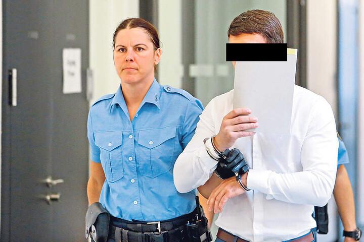 Daniel S. (37) schweigt zum Vorwurf, einer der Bandenchefs zu sein.